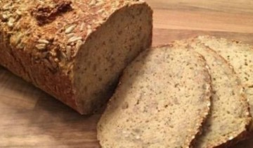 طريقة عمل خبز بالدقيق والشوفان في أقل من 50 دقائق