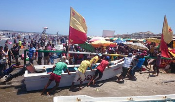 نائب رئيس محلية راس البر يشكر رجال الانقاذ و المعدات البحريه على جهودهم طوال موسم الصيف