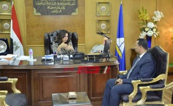 محافظ دمياط تلتقي برئيس الوحدة المحلية لمدينة عزبة البرج الجديد