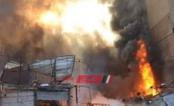 بالفيديو/ حريق هائل بوكالة البلح والدفع بـ15 سيارة إسعاف وإطفاء