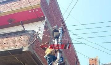 شن حملة مكبرة لصيانة كشافات الكهرباء وتغير الاسلاك الغير معزولة في دمياط