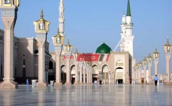 إقامة صلاة التراويح في المسجد النبوي في شهر رمضان وتعليق حضور المصلين