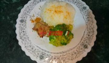 طريقة عمل وجبة البروكلي بالأرز والكبدة لطفلك