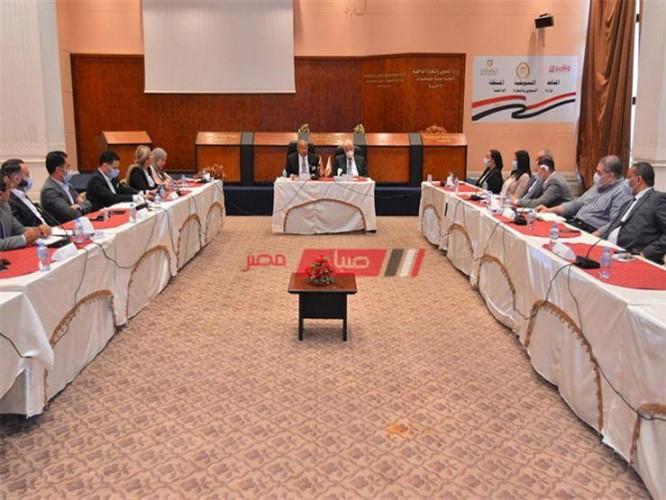 اجتماع محافظ الأقصر لمناقشة المستجدات بملف تقنين أملاك الدولة