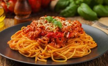 طريقة عمل مكرونة بصوص الطماطم والريحان فى نصف ساعة