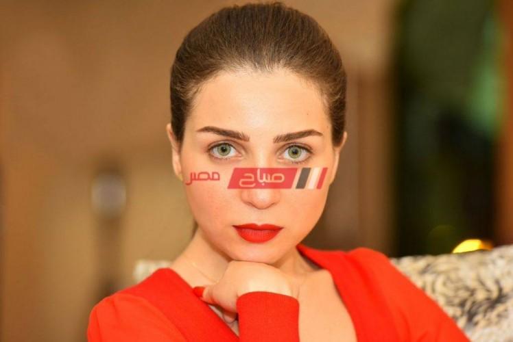 بعد 3 اسابيع مي عز الدين ترفع شعار فركش في تصوير مسلسل خيط حرير