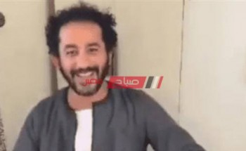أحمد حلمي بـ جلابية الصعيدي يعلن عن ظهوره مع الفنانة إسعاد يونس