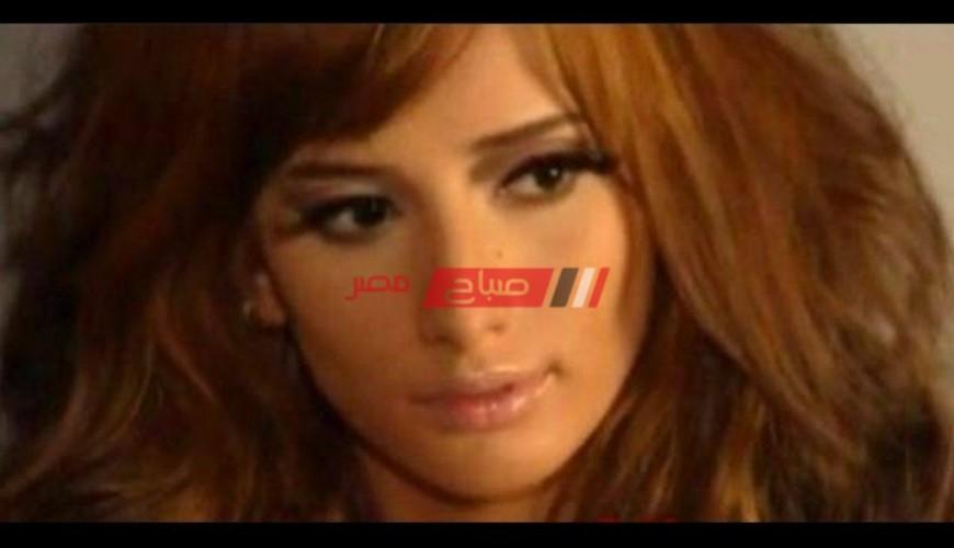 زينة تمازح مع جمهورها علي الانستجرام