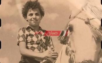 طارق العريان يسترجع ذكريات الطفولة علي السوشيال ميديا