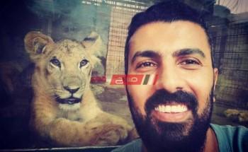 محمد سامي يحتفل بـ الأسد الخاص به بطريقته الخاصة