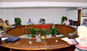 لقاء محافظ أسيوط بمستشار مجلس الوزراء لمناقشة المشروعات القومية