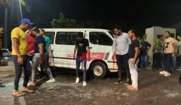 بالصورة إصابة 15 شخص في حادث انقلاب ميكروباص على طريق مدينة دمياط الجديدة