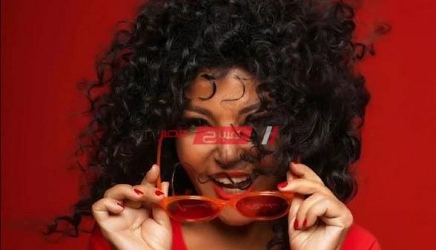 باللون الأحمر سميرة سعيد تخطف الأنظار علي السوشيال ميديا