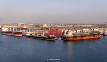 ميناء دمياط يستقبل 8 سفن حاويات وبضائع و 526 شاحنه تغادر بحمولة 18642 طن بضائع
