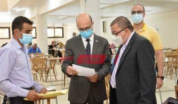 تأمين طلاب مرحلة الدراسات العليا صحيا ضد كورونا بجامعة أسيوط