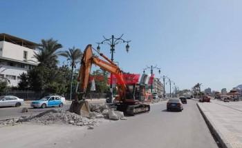 محافظ دمياط تتابع تنفيذ أعمال صيانة أعمدة الإنارة الديكورية واستبدال الكابلات الكهربائية بطريق كورنيش النيل