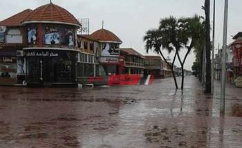 أمطار غزيرة على دمياط ورياح نشطة تضرب القرى والمدن
