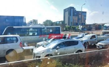 تكدس مرورى غرب الإسكندرية بسبب تساقط الأمطار