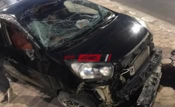 بالصورة إصابة 3 طلاب في حادث سيارة ملاكي على طريق دمياط الجديدة