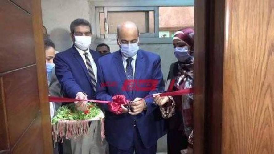 """عبدالنبي يفتتح أعمال تطوير مكتبة """"التربية الفنية"""" بجامعة المنيا…ومعرض """"رؤية"""" لطلاب الفرقة الرابعة"""