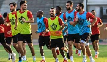 الأهلي يخوض مرانه الأخير على ملعب القاهرة