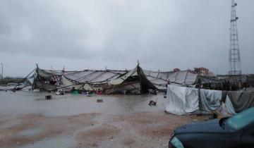 بالصور انهيار شادر المركز النموذجي لطلبات التصالح بسبب الأمطار الغزيرة في الإسكندرية