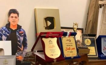 """عمر كمال يتعرض إلي هجوم بعد شعار """"اركن الشهادة علي جنب"""""""