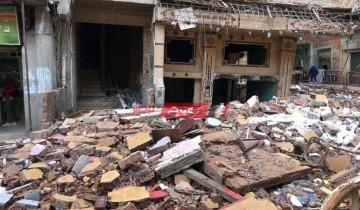 البدء في هدم عقار كرموز المائل في محافظة الإسكندرية