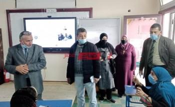 بالكاشف الحراري مدارس دمياط تستقبل الطلاب والمعلمين لمواجهة فيروس كورونا