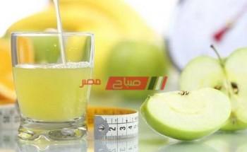 طريقة عمل مشروب التفاح الأخضر بالليمون الحارق للدهون فى خمس دقائق على طريقة الشيف سالى فؤاد