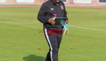 موسيماني يحاضر لاعبي الأهلي للمرة الأخيرة قبل مواجهة بطل الكونغو