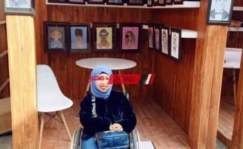 أمل بنت الشرقية تتحدى الإعاقة بالرسم والنجاح