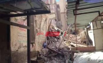 انهيار عقار بمنطقة العطارين بمحافظة الإسكندرية بسبب الطقس السيئ