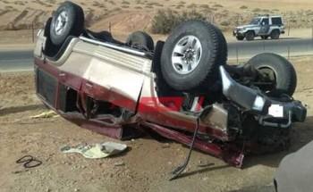 مصرع 3 أشخاص جراء حادث انقلاب سيارة ملاكى على طريق الضبعة الصحراوى