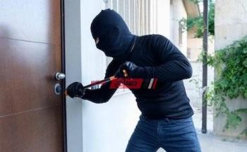 ضبط مرتكب واقعة سرقة مبلغ مالى وأجهزة حاسب آلى من داخل إحدى الشركات بالقاهرة