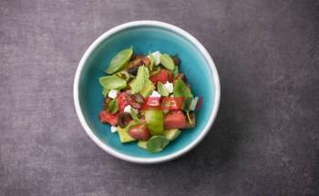 طريقة عمل سلطة الطماطم والبطيخ