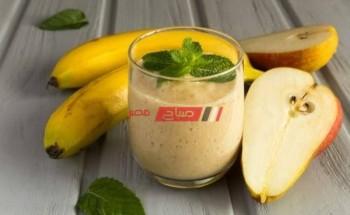 طريقة عمل سموزي الموز والكمثري الصحي والمنعش