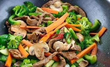 طريقة عمل شرائح اللحم مع الخضروات