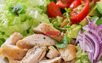 طريقة عمل سلطة الخضروات بالدجاج