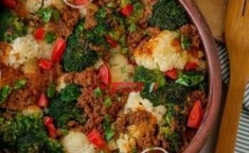 طريقة عمل طاجن القرنبيط بالبروكلي واللحم المفروم