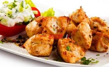 طريقة عمل شيش طاووق مشوي لوجبة غداء صحية ومشبعة