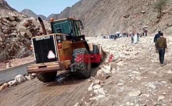 غرامة مالية على إلقاء القمامة في المجاري المائية قدرها 10 آلاف جنيه وإلاحالة إلى النيابة العامة