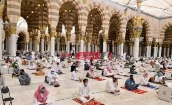 المسجد النبوى يستقبل المصلين لأداء صلاة التراويح فى رمضان