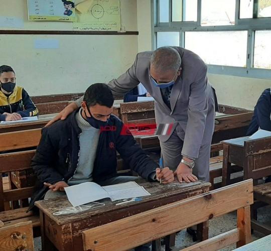 وكيل تعليم دمياط: 29 ألف طالب وطالبة يؤدون امتحانات الشهادة الإعدادية بنسبة حضور 99%