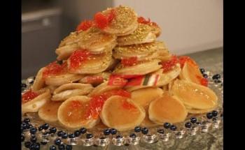 طريقة عمل قطائف طبقات بماء الزهر والكريمة والفستق الحلبي المجروش ومربي زهر البرتقال لحلويات رمضان 2021 علي طريقة الشيف منال العالم
