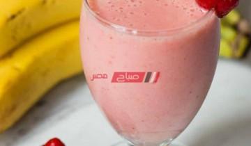 طريقة عمل كوكتيل الفراولة لفطور صحي ومشبعة