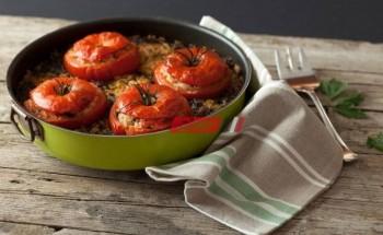 طريقة عمل محشي الطماطم بطريقة سهلة وبسيطة لوصفات رمضان ٢٠٢١