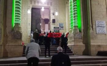 إقامة صلاة التراويح في مسجد أبو العباس المرسى بالإسكندرية