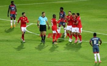 العزومات ممنوعة بين لاعبي الأهلي بأوامر موسيماني