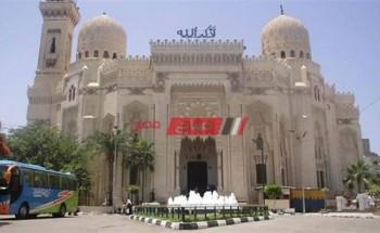 تطهير وتعقيم مسجد المرسى أبو العباس استعدادا لصلاة التراويح في رمضان بالإسكندرية